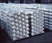 На экспорт алюминиевые чушки марок А7,  А8 и др.
